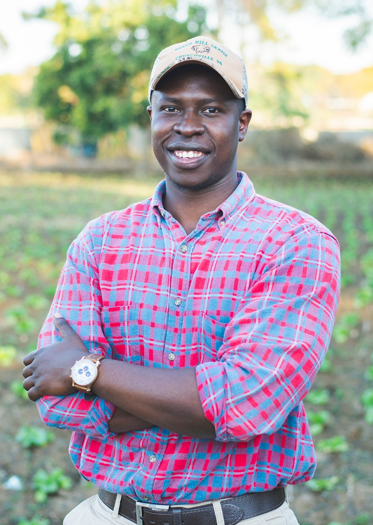 Ngaatendwe Murimba, Africa University graduate, launched The Smallholder initiative in the Spring of 2018.